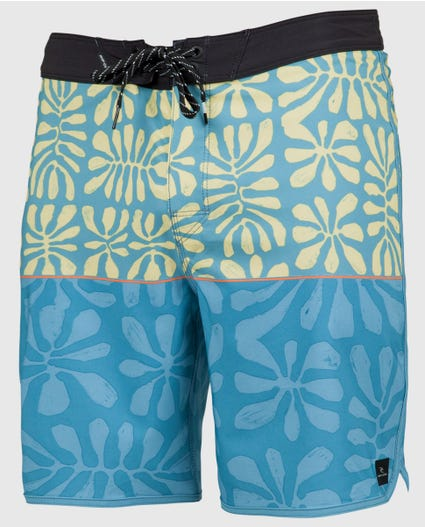 Mirage Salt Water 19 Boardshorts in Black