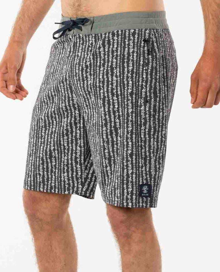 Searchers Layday Boardshorts in White