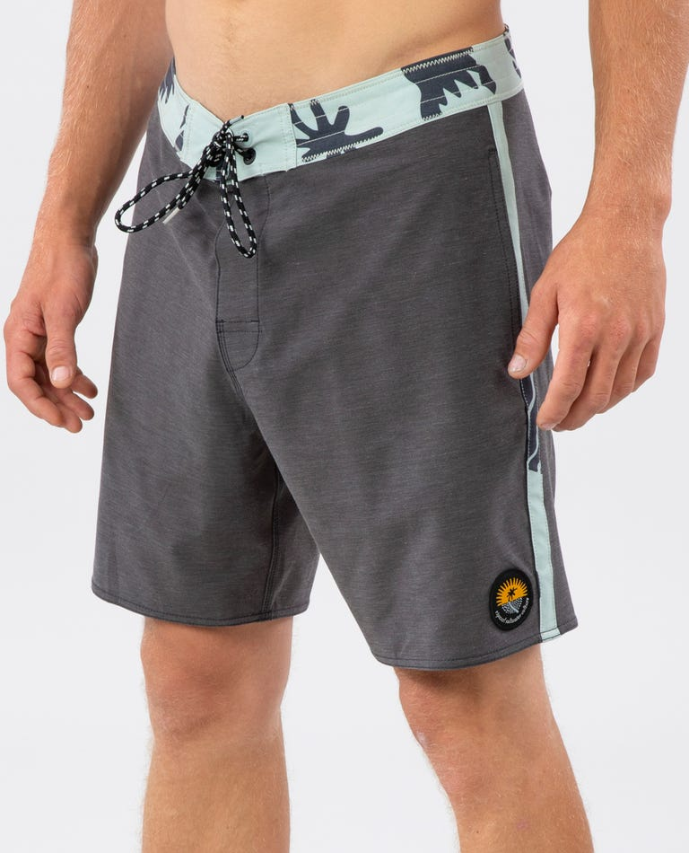 Wilder Layday 18 Boardshort in Black