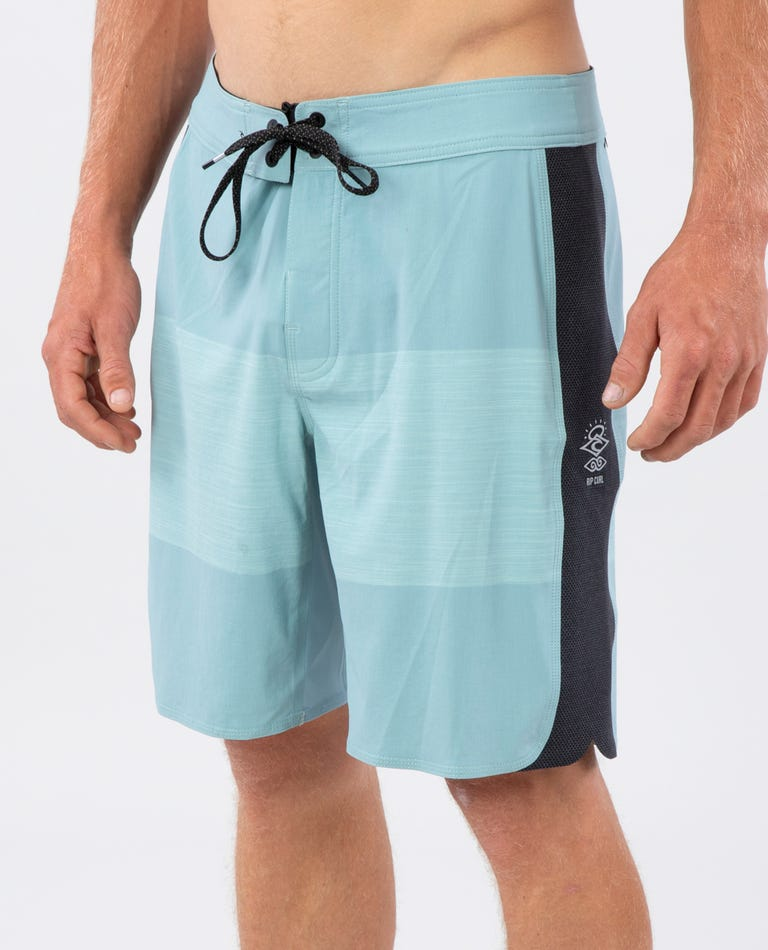 Mirage 3/2/One Ultimate Boardshorts in Aqua