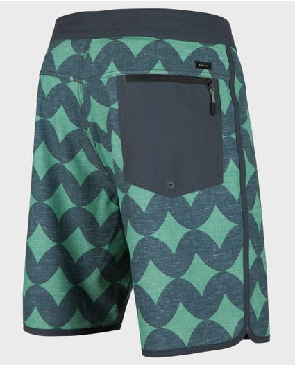 Mirage Breach 19 Boardshorts in Black