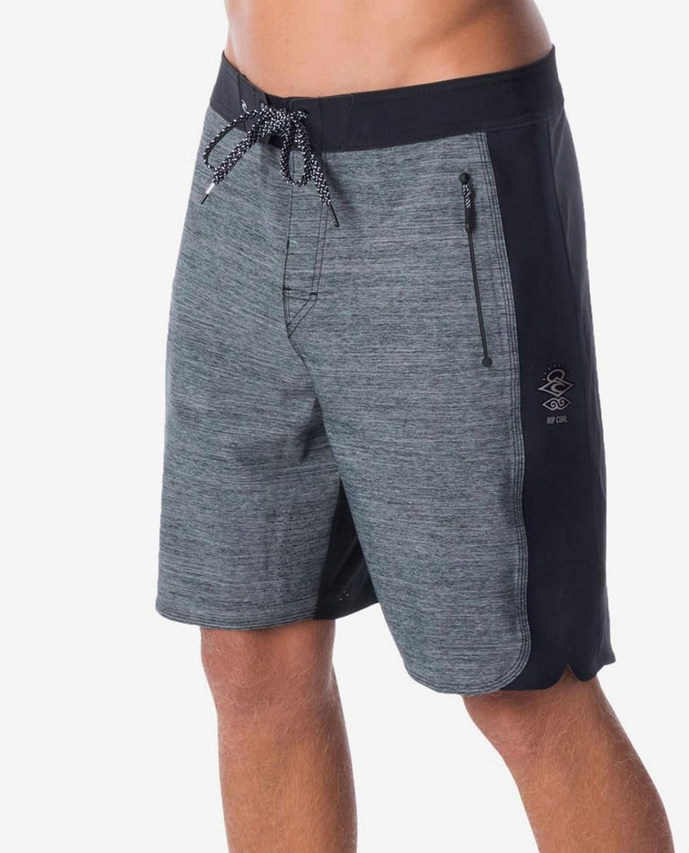 Mirage 3/2/One Ultimate 19 Boardshorts in Black