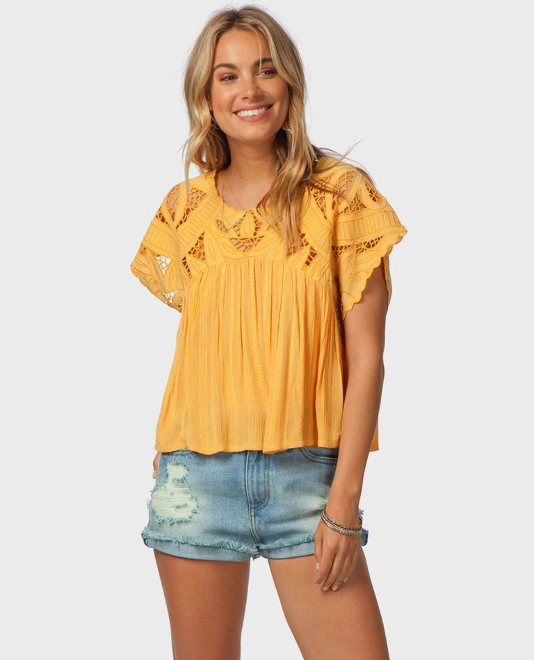 Seaview Top in Gold