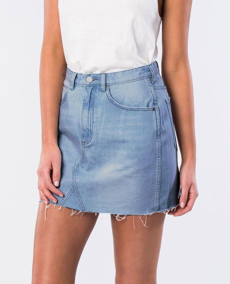 Gully Frayed Hem Denim Skirt in Blue