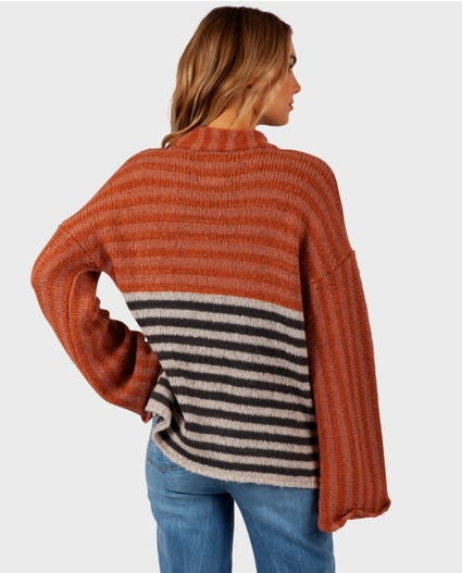 Fall Back Pullover in Rust