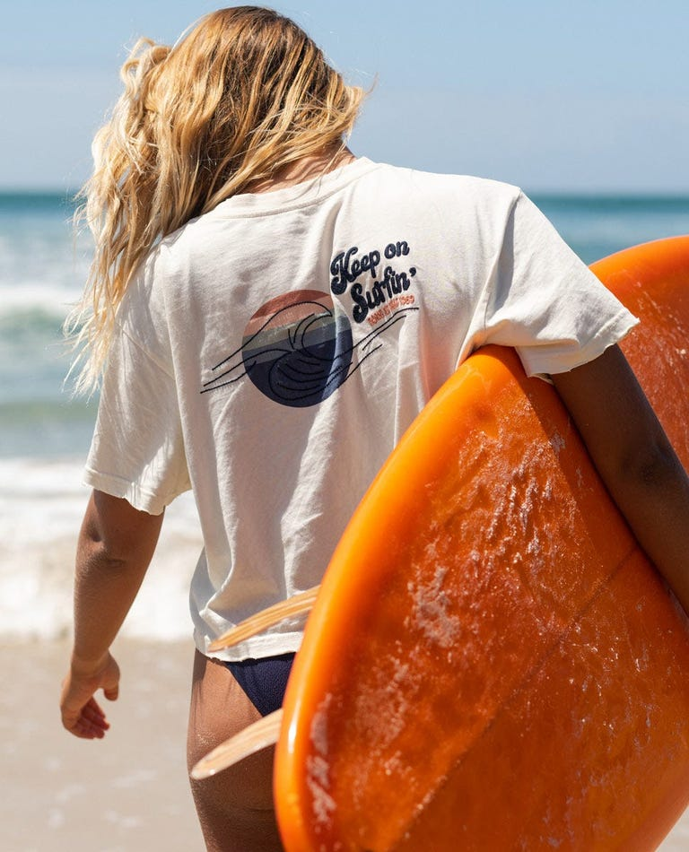 Keep On Surfin Crop Tee in Bone
