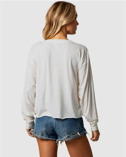 Sunset Coast Cutoff Long Sleeve Tee in Vanilla