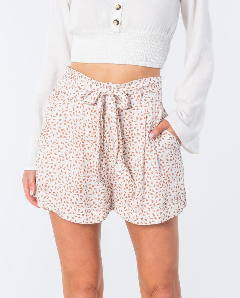 In The Tropics Short in Off White