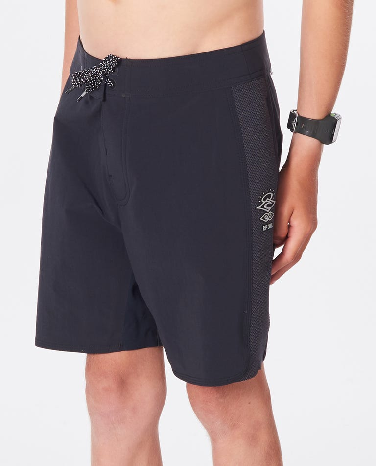 Boys Mirage 3/2/1 Ultimate Boardshorts in Black