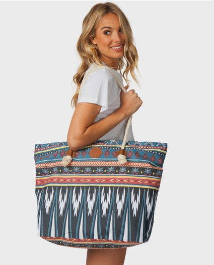 Island Beats Tote in Multico