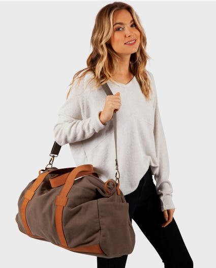 Threads Canvas Duffle Bag in Olive