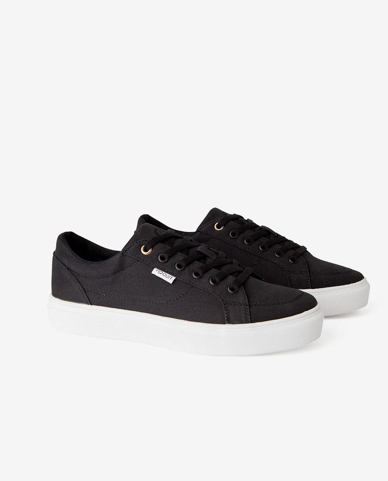 La Jolla Low Shoe in Black