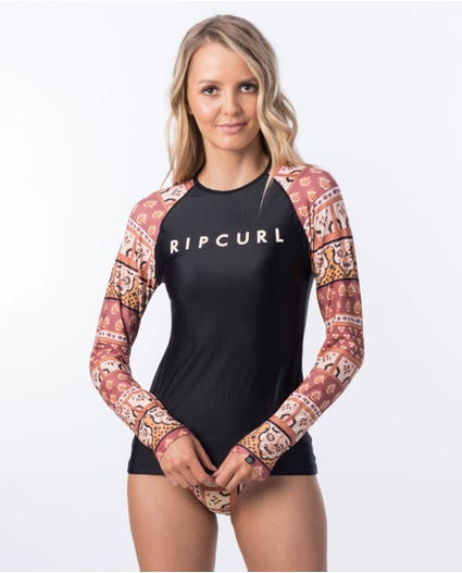 Saffron Skies Relaxed Rash Guard in Rust