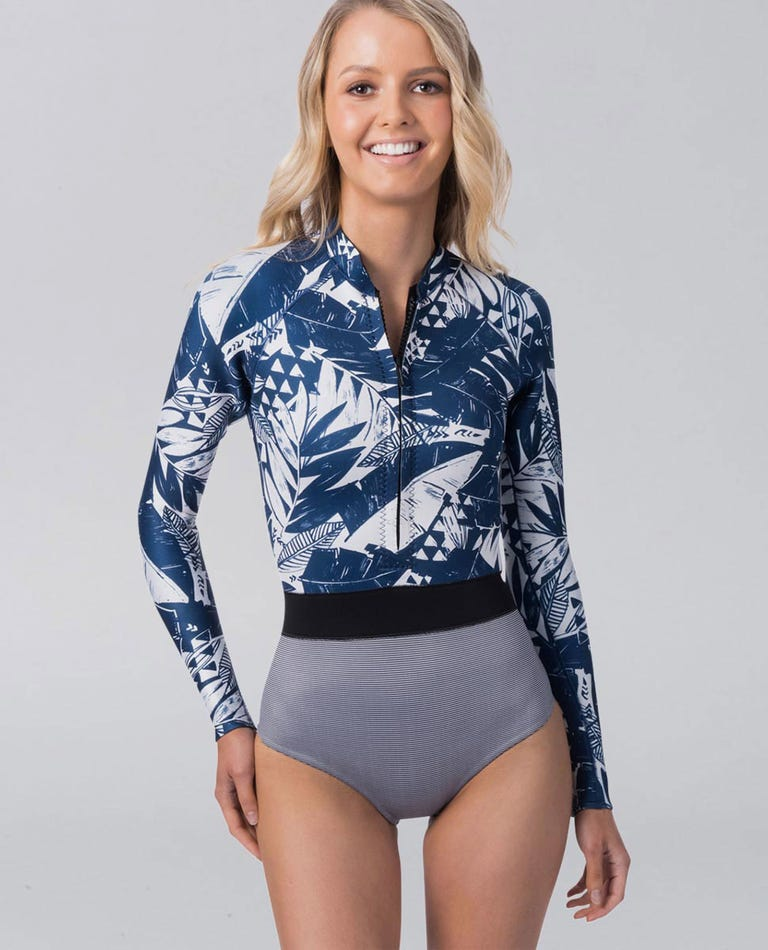 Searchers Long Sleeve Spring Suit Wetsuit in Navy