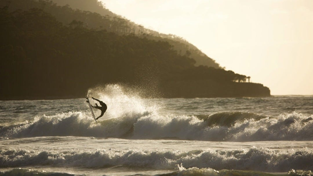 Wetsuit Review: Mitch Crews Tests The 3/2 Flashbomb Zip Free In Tasmania