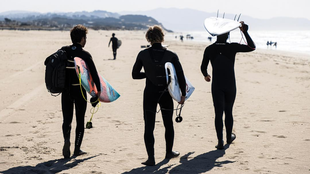 Your Top 5 Winter Surf Session Essentials