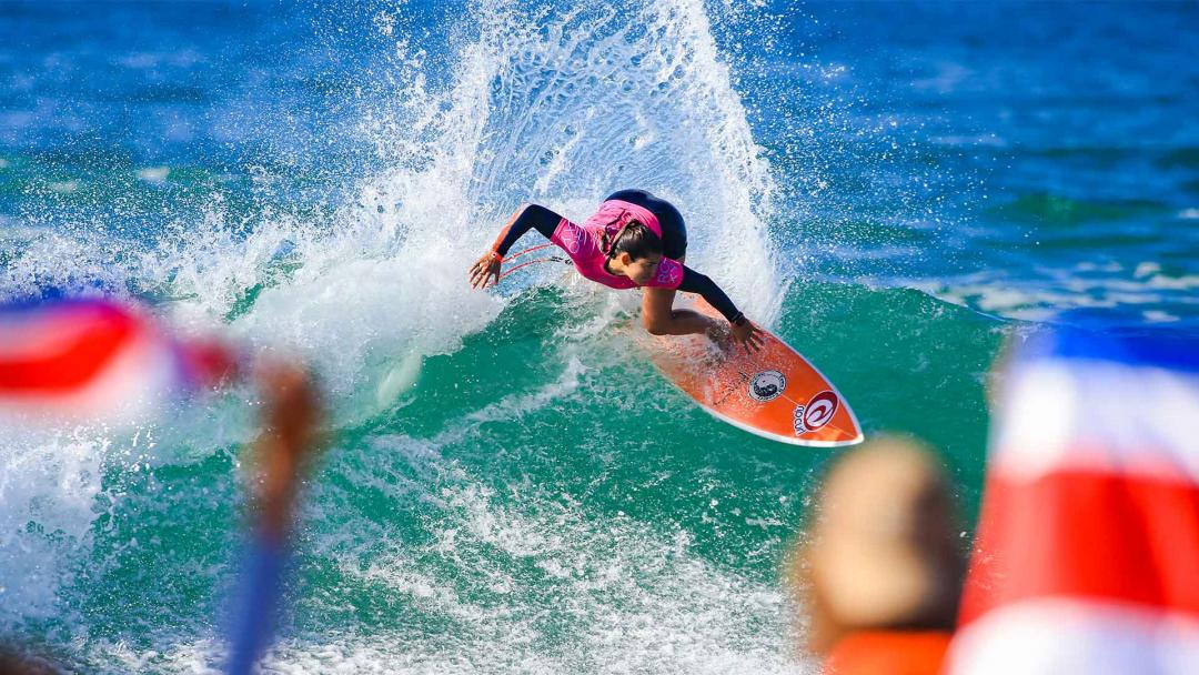 Brisa Hennessy Wins Roxy Pro France & Secures Spot On 2022 WSL Championship Tour