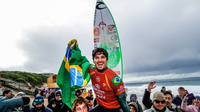Today Gabriel Medina has won the Corona J-Bay Open in South Africa, putting himself in the perfect position to fight for the 2019 World Title.